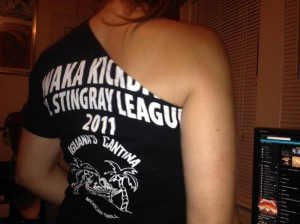 WAKA-side-shoulder-tshirt-modification-back-690x517